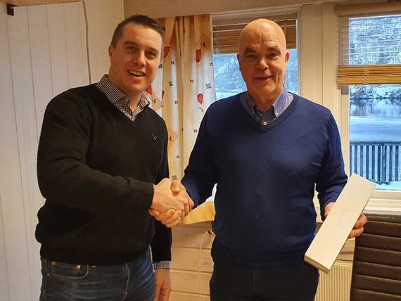 Preisübergabe an den Gewinner der Kundennumfrage 2019 der Wolman GmbH